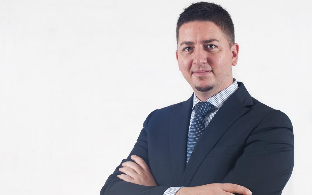 Gulyás Péter, Quadron, 365 üzleti történet