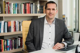 Kovács Péter, Libri, 365 üzleti történet