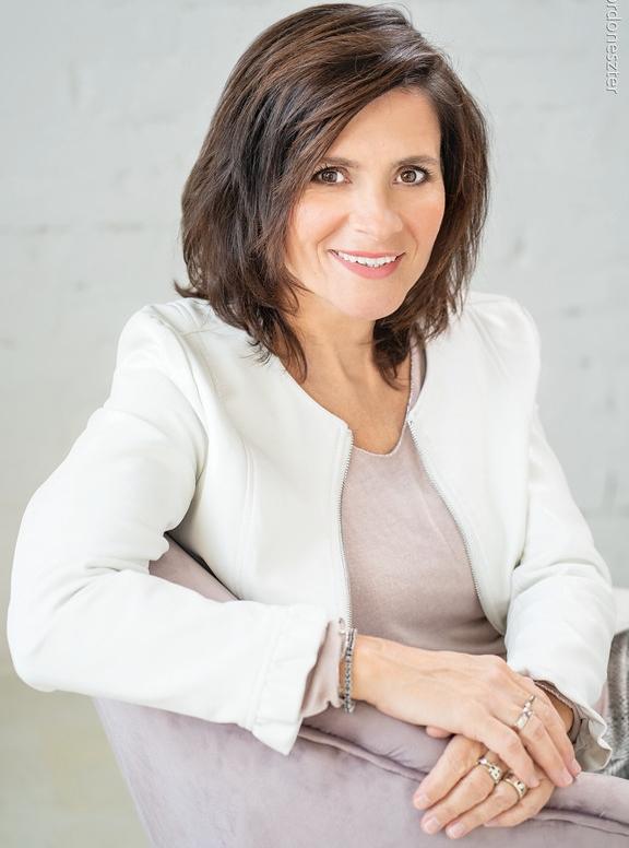 Krizsó Szilvia, a Krizshow Business & Art Kft. ügyvezetője